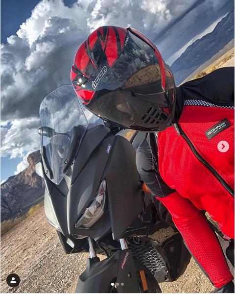Bohn Customer Wearing All-Season Airtex Armored Motorcycle Shirt in Red